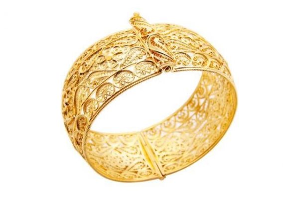 22k Indian gold bracelet for each woman who likes embroidered